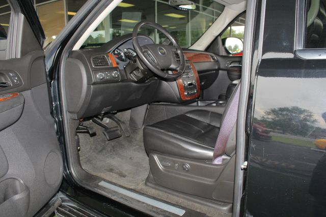 2007 Chevrolet Tahoe LT/LT3 (LTZ EQUIPPED) 4X4 - REAR DVD - SUNROOF Mooresville , NC 29