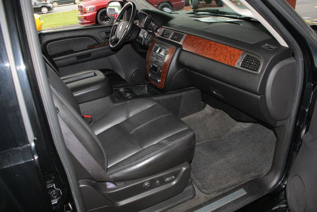 2007 Chevrolet Tahoe LT/LT3 (LTZ EQUIPPED) 4X4 - REAR DVD - SUNROOF Mooresville , NC 30