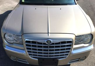 2007 Chrysler-One Owner!! 25 Service Recordsd!! 300-HEMI V8!! SHOWROOM CONDITION!!  CARMARTSOUTH.COM Knoxville, Tennessee 1