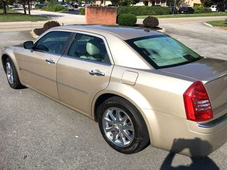 2007 Chrysler-One Owner!! 25 Service Recordsd!! 300-HEMI V8!! SHOWROOM CONDITION!!  CARMARTSOUTH.COM Knoxville, Tennessee 5