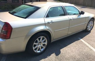 2007 Chrysler-One Owner!! 25 Service Recordsd!! 300-HEMI V8!! SHOWROOM CONDITION!!  CARMARTSOUTH.COM Knoxville, Tennessee 3