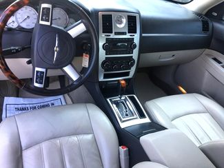 2007 Chrysler-One Owner!! 25 Service Recordsd!! 300-HEMI V8!! SHOWROOM CONDITION!!  CARMARTSOUTH.COM Knoxville, Tennessee 8