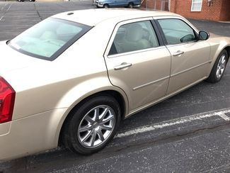 2007 Chrysler-2 Owner! Hemi V8!! 300-CARMARTSOUTH.COM C-BUY HERE PAY HERE! $999 DN WAC WITH CAC!! Knoxville, Tennessee 7