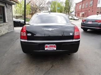 2007 Chrysler 300 C Milwaukee, Wisconsin 4