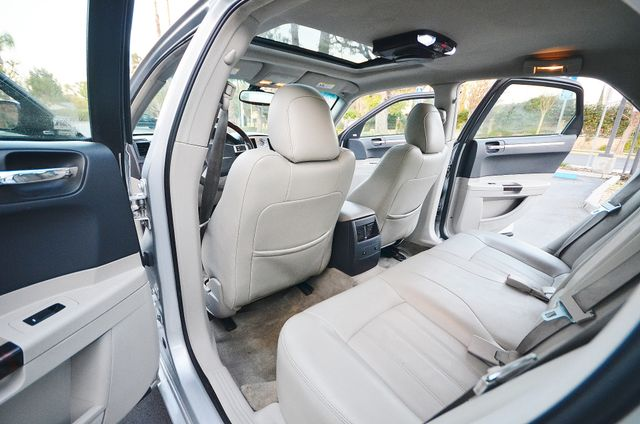 2007 Chrysler 300 C HEMI 5.7L Reseda, CA 23