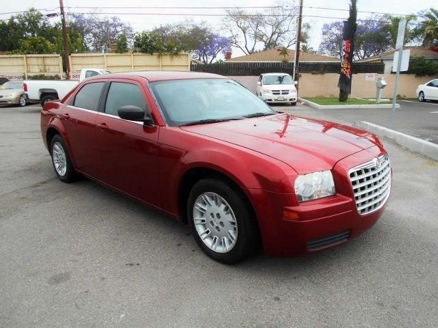 2007 Chrysler 300 Limited warranty included to assure your worry-free purchase AutoCheck report i