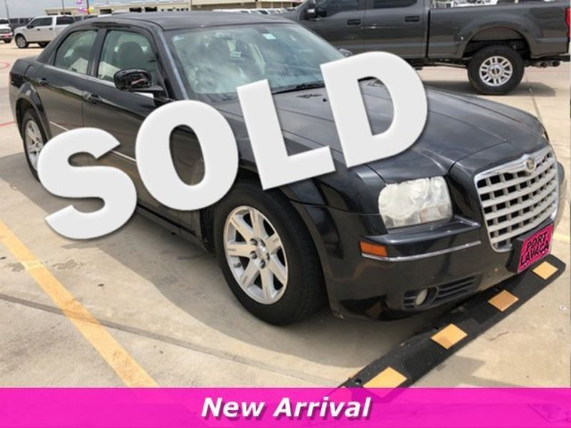 2007 Chrysler 300 Touring   Texas  Victoria Certified  in , Texas