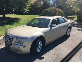 2007 Chrysler-One Owner!! 25 Service Recordsd!! 300-HEMI V8!! SHOWROOM CONDITION!!  CARMARTSOUTH.COM Knoxville, Tennessee 27