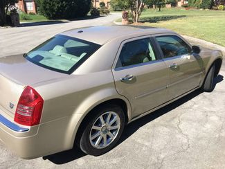 2007 Chrysler-One Owner!! 25 Service Recordsd!! 300-HEMI V8!! SHOWROOM CONDITION!!  CARMARTSOUTH.COM Knoxville, Tennessee 31