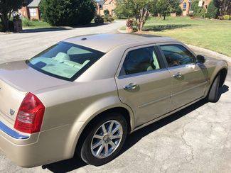 2007 Chrysler-One Owner!! 25 Service Recordsd!! 300-HEMI V8!! SHOWROOM CONDITION!!  CARMARTSOUTH.COM Knoxville, Tennessee 32