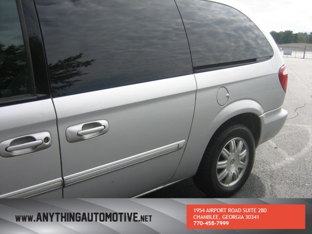 2007 Chrysler Town & Country Touring Chamblee, Georgia 10