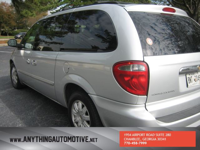 2007 Chrysler Town & Country Touring Chamblee, Georgia 11