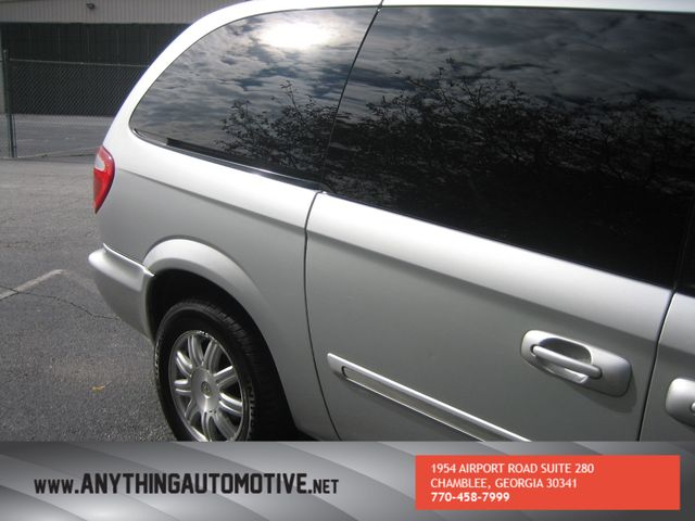 2007 Chrysler Town & Country Touring Chamblee, Georgia 14