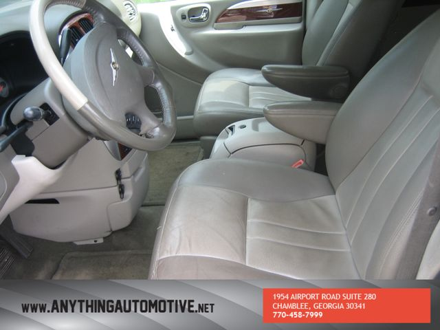 2007 Chrysler Town & Country Touring Chamblee, Georgia 22