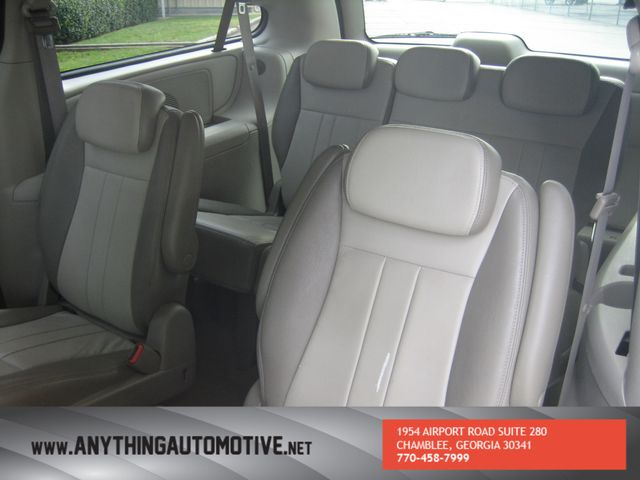 2007 Chrysler Town & Country Touring Chamblee, Georgia 26