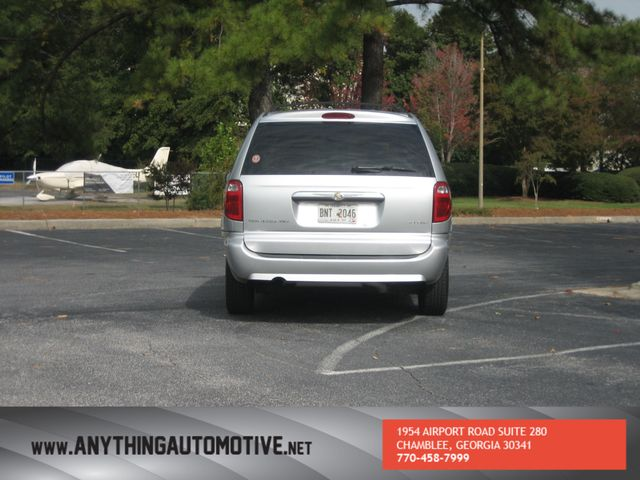 2007 Chrysler Town & Country Touring Chamblee, Georgia 3