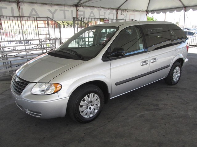2007 Chrysler Town  Country This particular Vehicle comes with 3rd Row Seat Please call or e-mai