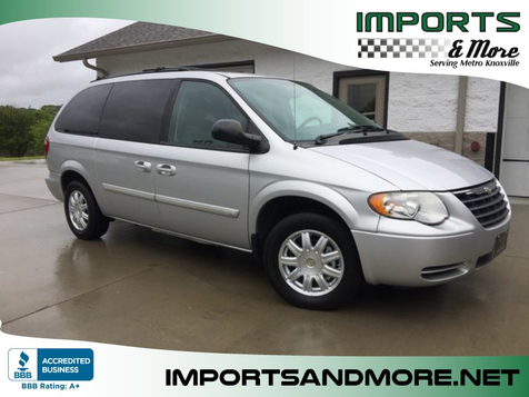 2007 Chrysler Town & Country Touring in Lenoir City, TN