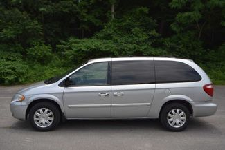 2007 Chrysler Town & Country Touring Naugatuck, Connecticut 1