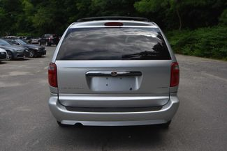 2007 Chrysler Town & Country Touring Naugatuck, Connecticut 3