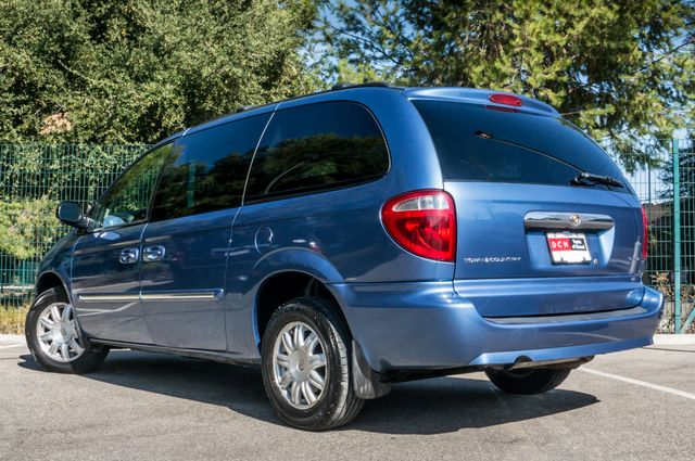 2007 Chrysler Town & Country Touring - AUTO - 99K MILES - ALLOY WHLS Reseda, CA 6