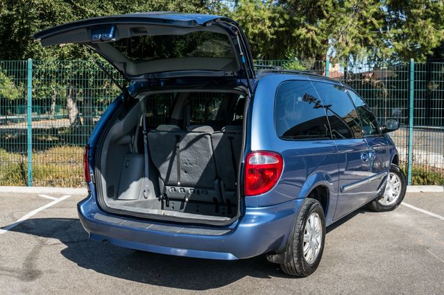 2007 Chrysler Town & Country Touring - AUTO - 99K MILES - ALLOY WHLS Reseda, CA 10