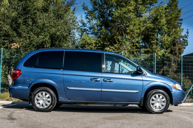 2007 Chrysler Town & Country Touring - AUTO - 99K MILES - ALLOY WHLS Reseda, CA 5