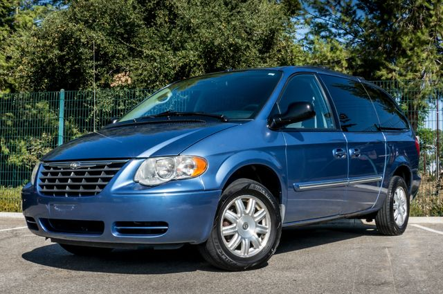 2007 Chrysler Town & Country Touring - AUTO - 99K MILES - ALLOY WHLS Reseda, CA 1