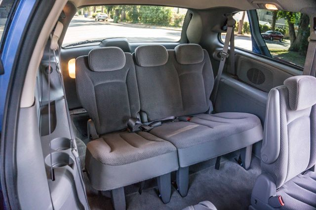 2007 Chrysler Town & Country Touring - AUTO - 99K MILES - ALLOY WHLS Reseda, CA 31
