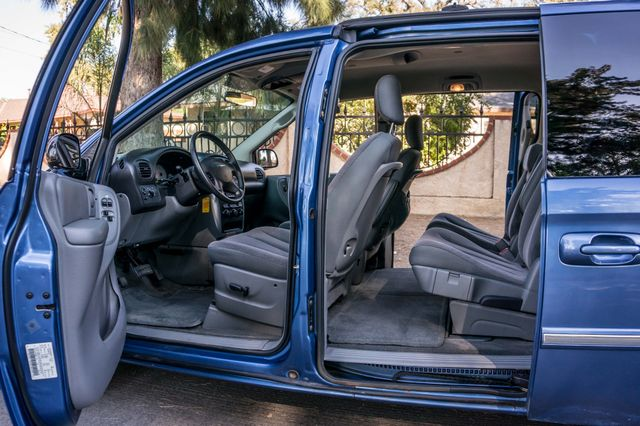 2007 Chrysler Town & Country Touring - AUTO - 99K MILES - ALLOY WHLS Reseda, CA 14