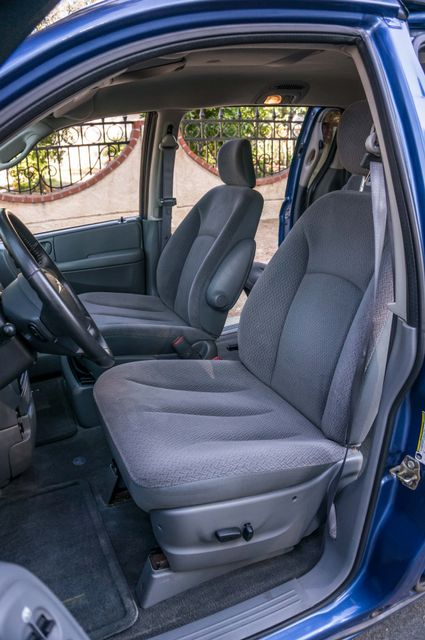 2007 Chrysler Town & Country Touring - AUTO - 99K MILES - ALLOY WHLS Reseda, CA 26
