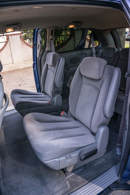 2007 Chrysler Town & Country Touring - AUTO - 99K MILES - ALLOY WHLS Reseda, CA 27