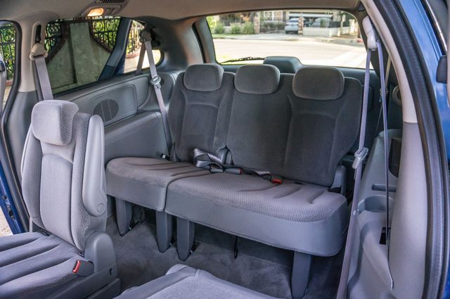 2007 Chrysler Town & Country Touring - AUTO - 99K MILES - ALLOY WHLS Reseda, CA 28