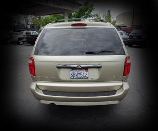 2007 Chrysler Town & Country Touring Minivan Chico, CA 7