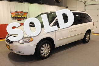 2007 Chrysler Town & Country in West, Chicago,