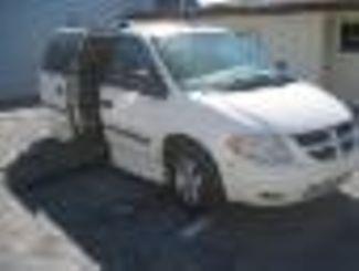 2007 Dodge Grand Caravan Handicap wheelchair accessible van Dallas, Georgia 1