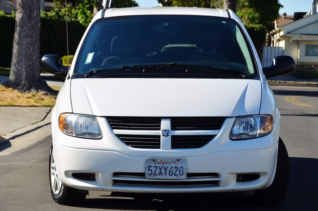 2007 Dodge Grand Caravan SE Reseda, CA 5