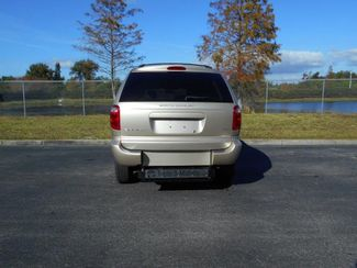 2007 Dodge Grand Caravan Sxt Handicap Van.......... Pinellas Park, Florida 4