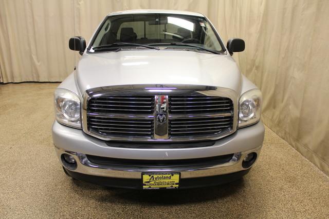 2007 Dodge Ram 1500 SLT Roscoe, Illinois 3