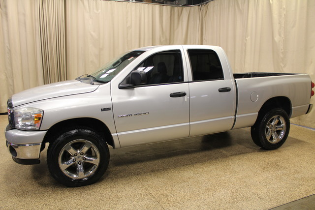2007 Dodge Ram 1500 SLT Roscoe, Illinois 2
