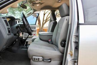 2007 Dodge Ram 2500 SLT Lone Star Quad Cab 4X4 5.9L Cummins Diesel 6 Speed Manual Sealy, Texas 31