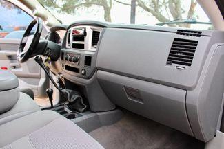 2007 Dodge Ram 2500 SLT Lone Star Quad Cab 4X4 5.9L Cummins Diesel 6 Speed Manual Sealy, Texas 43