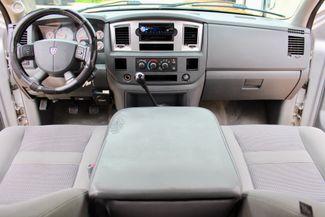 2007 Dodge Ram 2500 SLT Lone Star Quad Cab 4X4 5.9L Cummins Diesel 6 Speed Manual Sealy, Texas 49