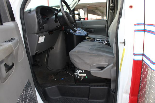 2007 Ford Econoline Commercial Cutaway E450 PL CUSTOM AMBULANCE TYPE III Mooresville , NC 32