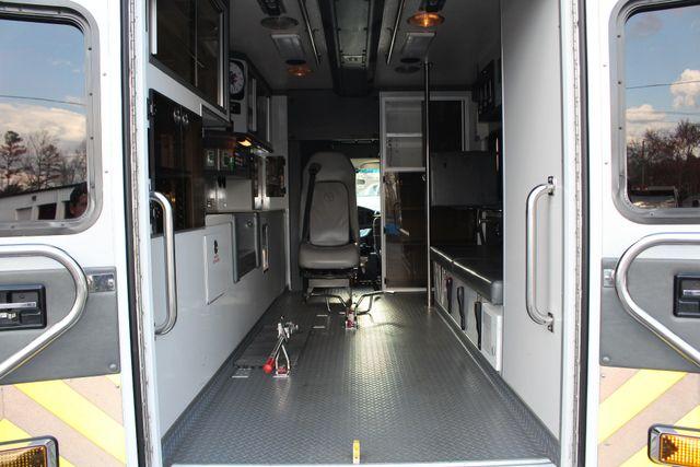 2007 Ford Econoline Commercial Cutaway E450 PL CUSTOM AMBULANCE TYPE III Mooresville , NC 4