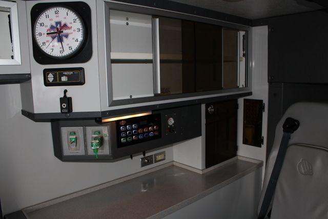 2007 Ford Econoline Commercial Cutaway E450 PL CUSTOM AMBULANCE TYPE III Mooresville , NC 45