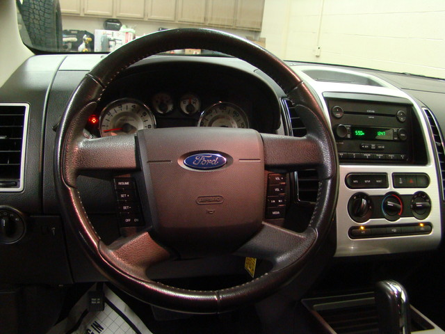 2007 Ford Edge SEL Batavia, Illinois 14