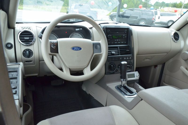 2007 Ford Explorer Sport Trac XLT  in Maryville, TN
