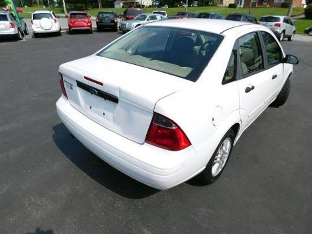 2007 Ford Focus SE Ephrata, PA 3