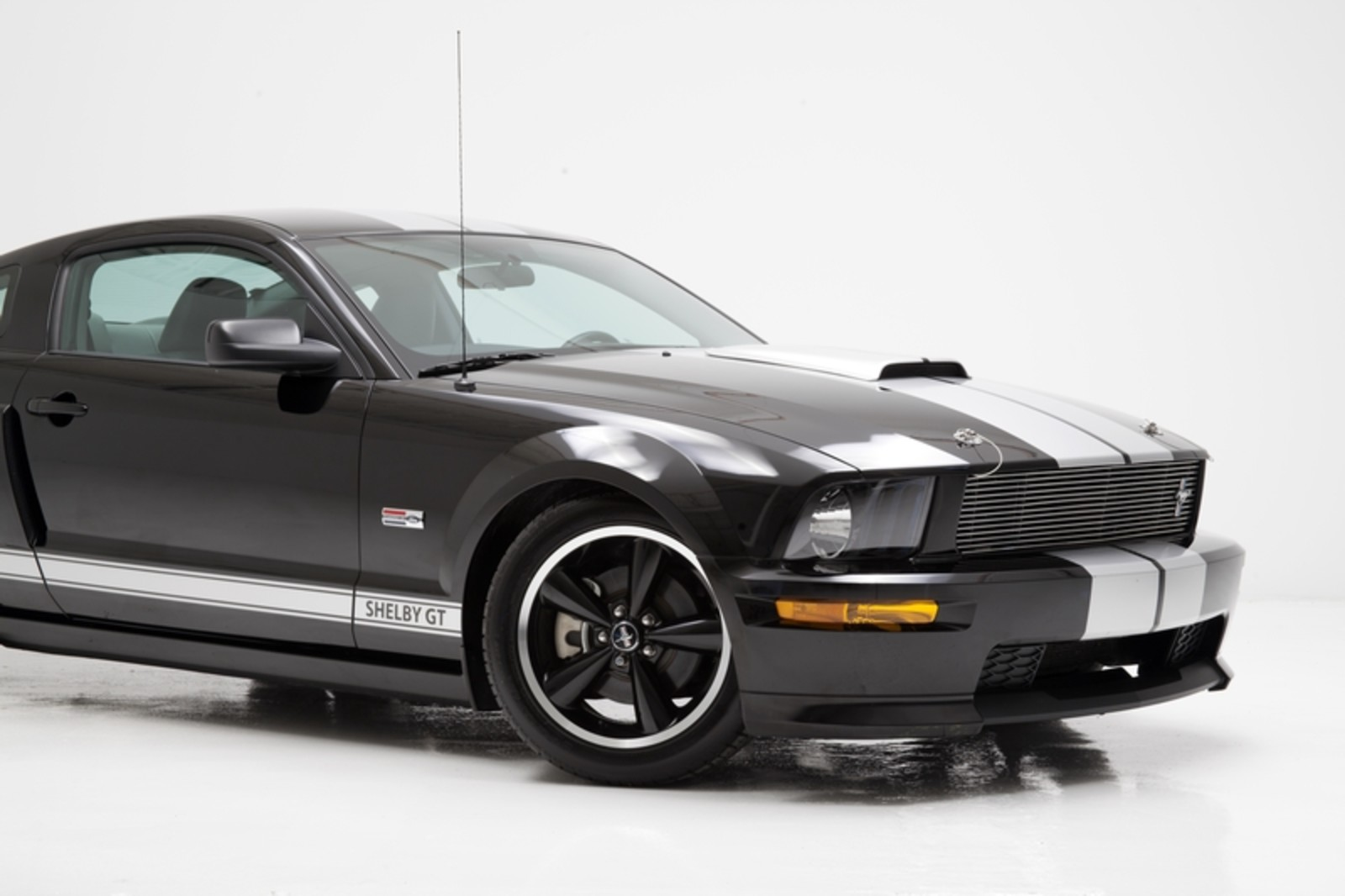 2007 ford mustang gt shelby gt rare automatic ultra low. Black Bedroom Furniture Sets. Home Design Ideas